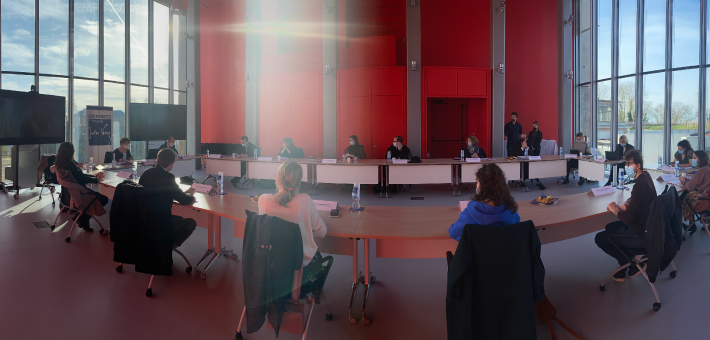 Table ronde autour d'Anne-Sophie Barthez, le 16 février 2021, au Pôle Citadelle à Amiens