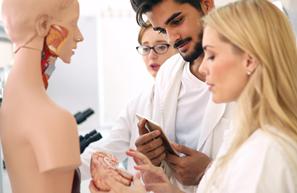Transformer les études en santé